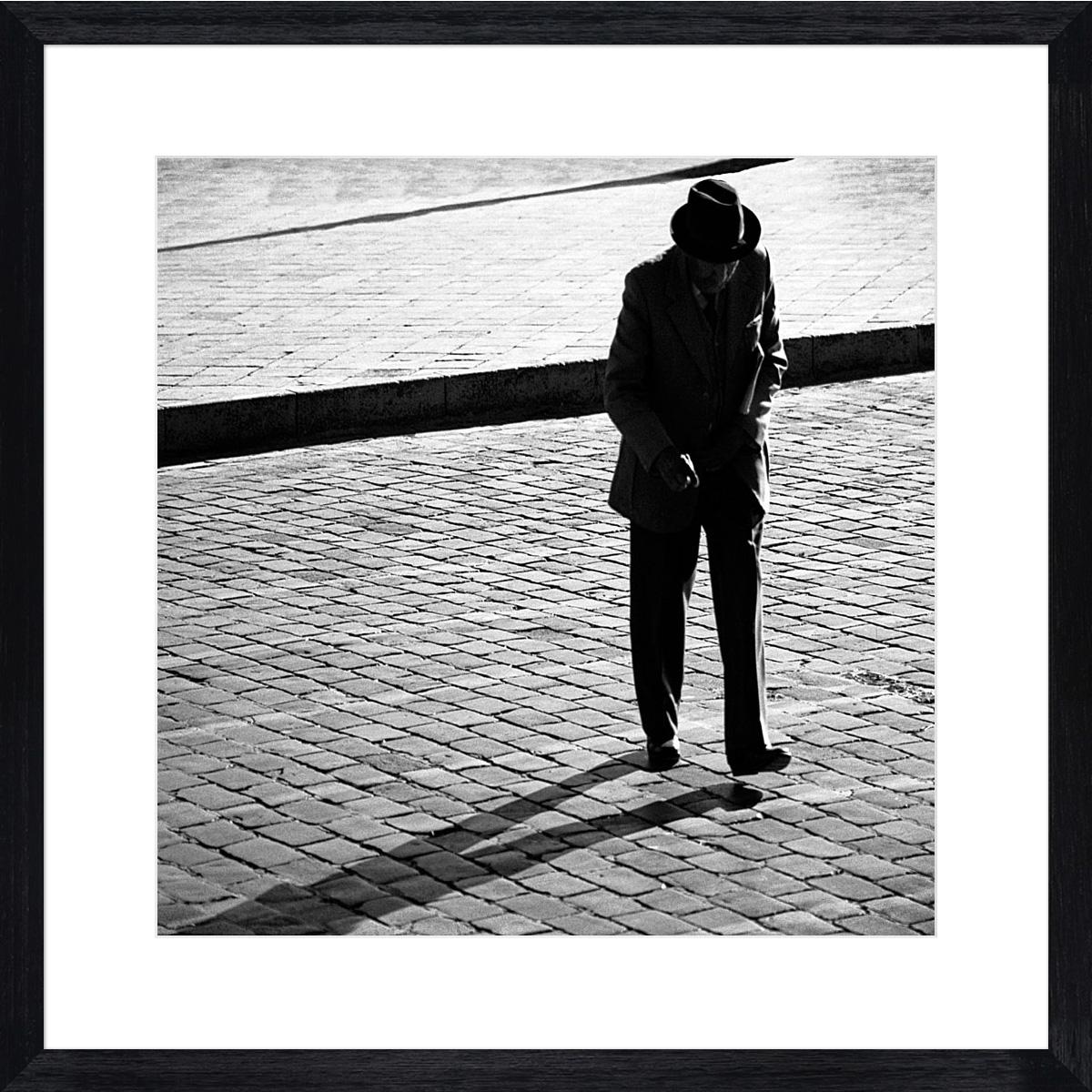 old-man-walking_black