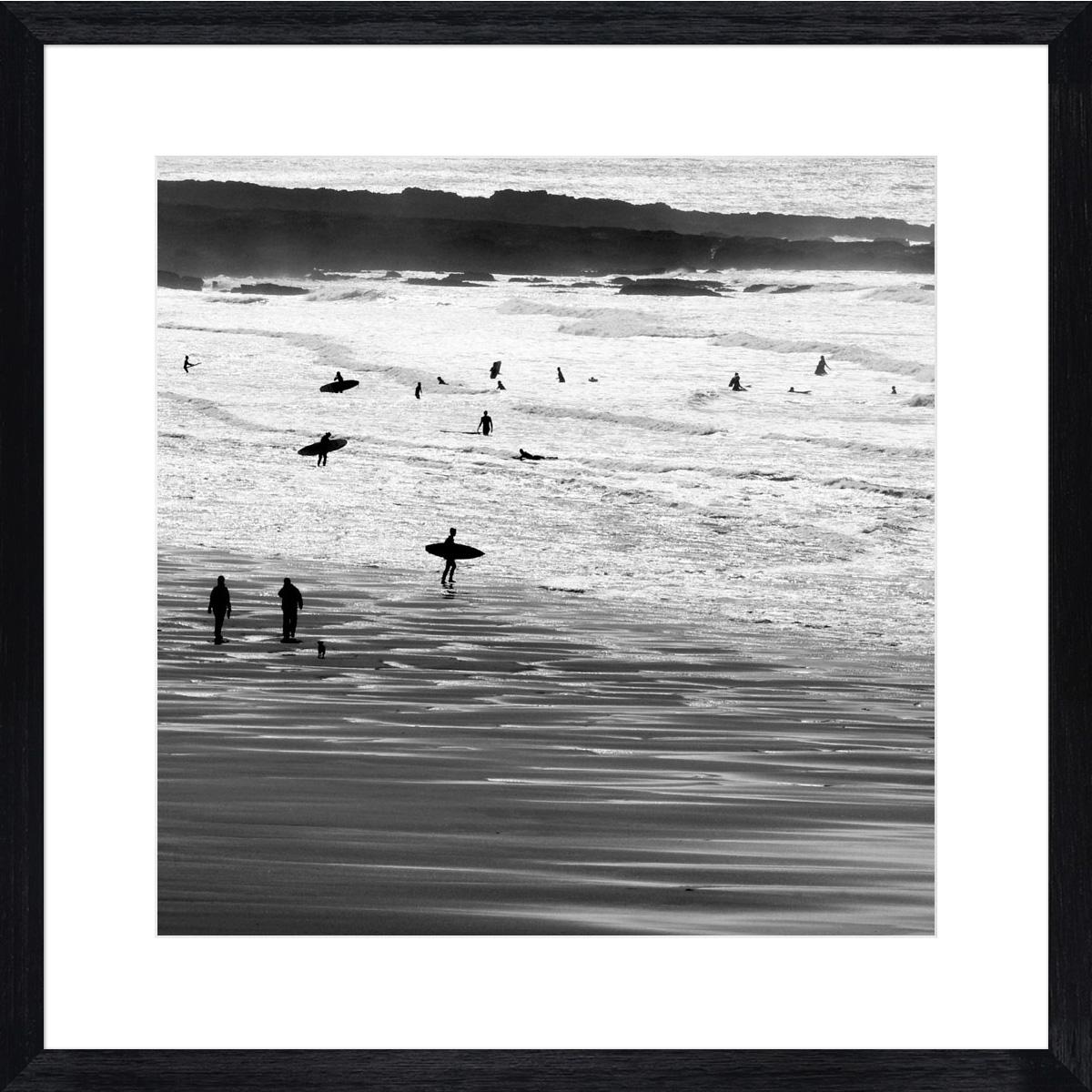 croyde-surfers_black