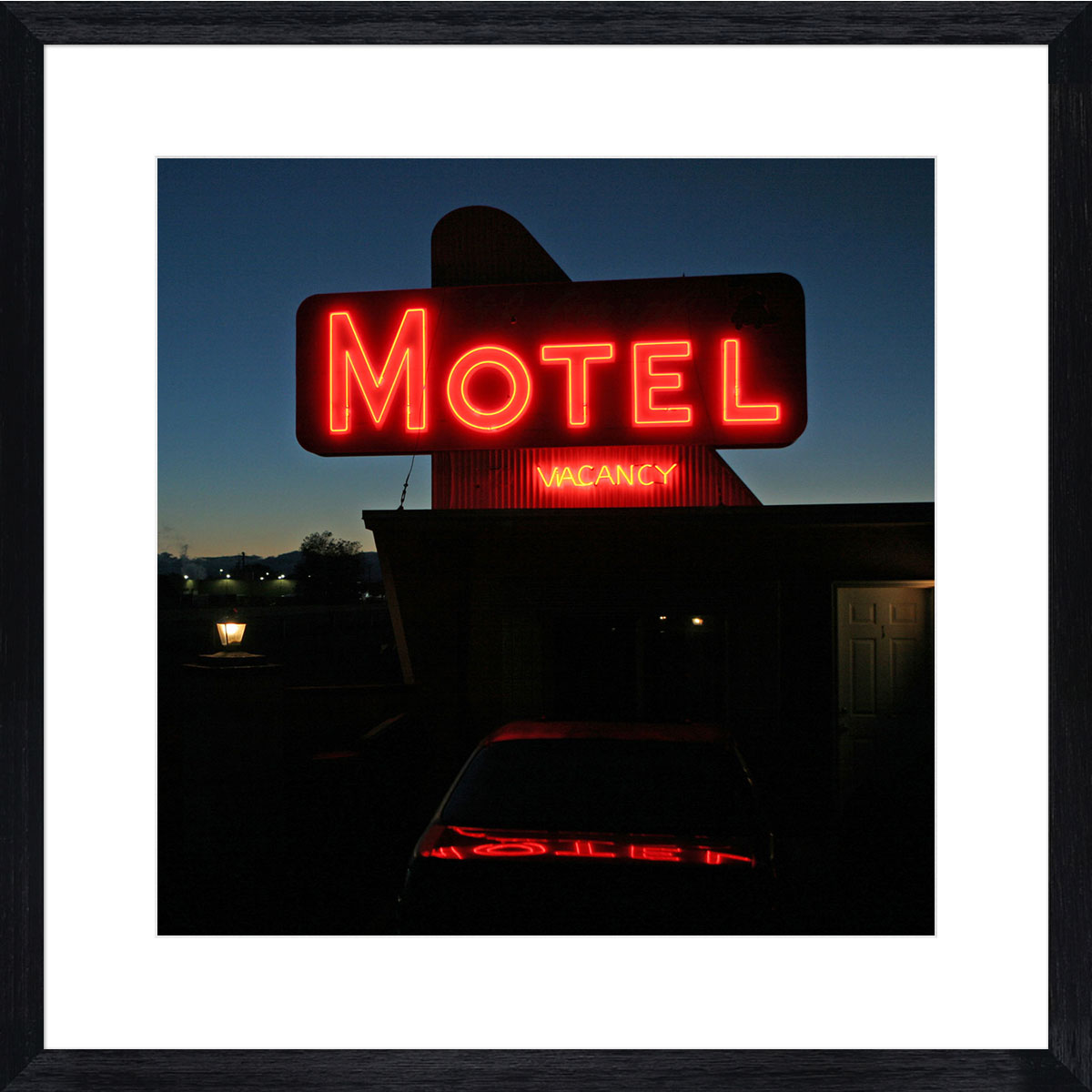 Night-Motel_black