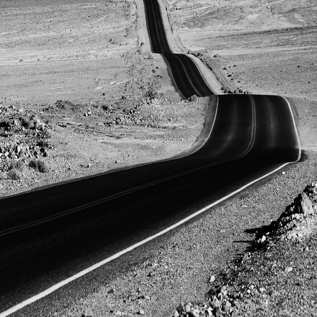death-valley-road