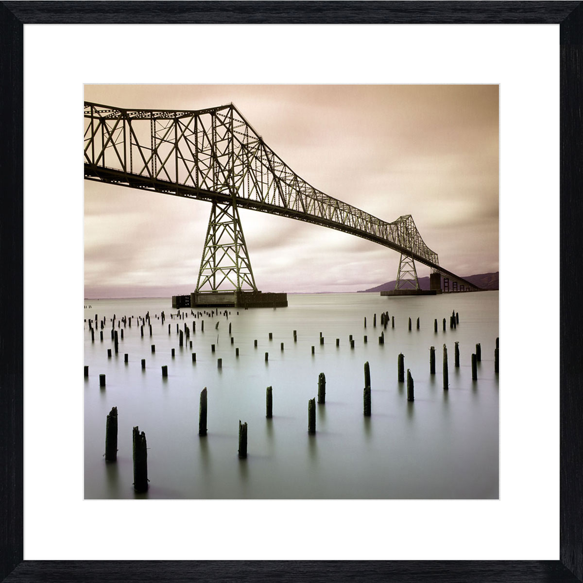 Astoria-Bridge_black