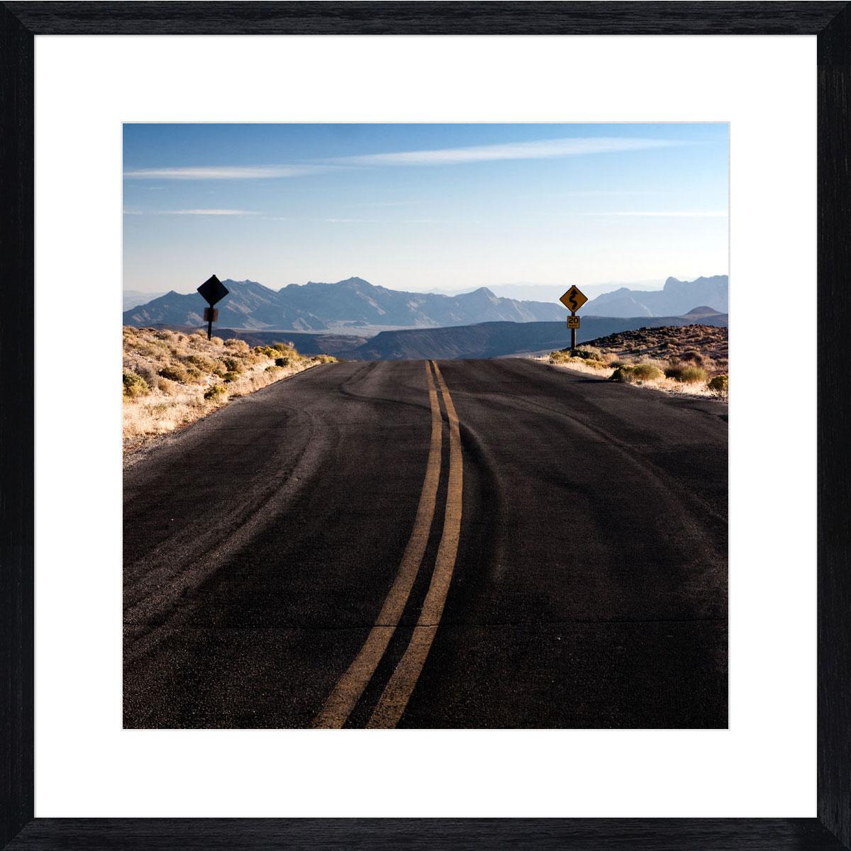 Desert-road_black